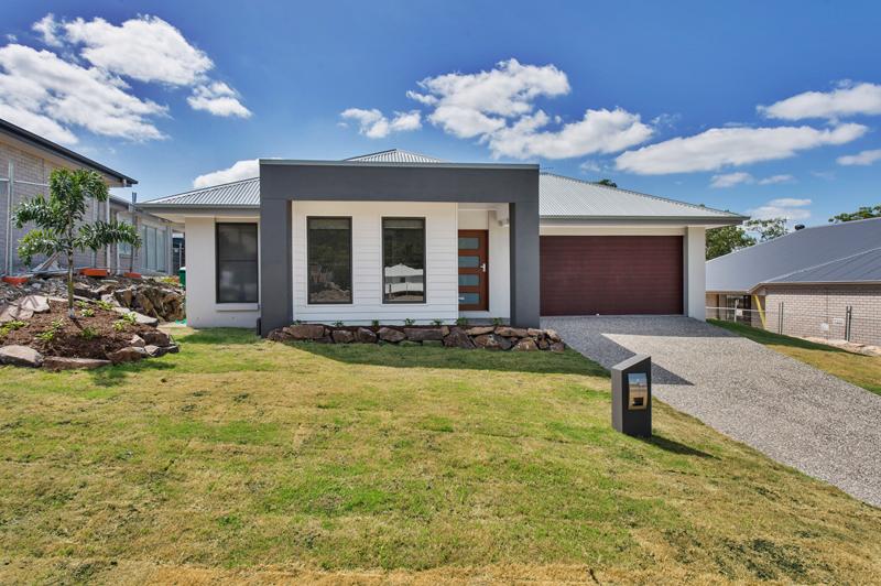 Design build gold coast custom home for Gold coast home designs